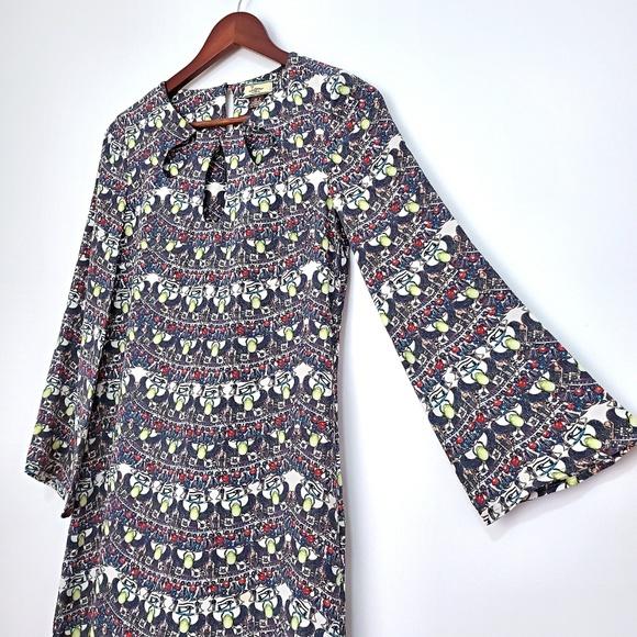 Issa London Dresses & Skirts - RARE Issa London Silk Bell Sleeve Egypt Mod Dress